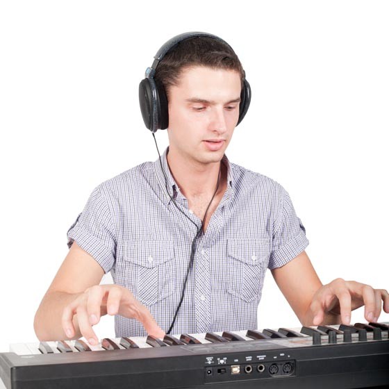 Play piano by ear for piano students