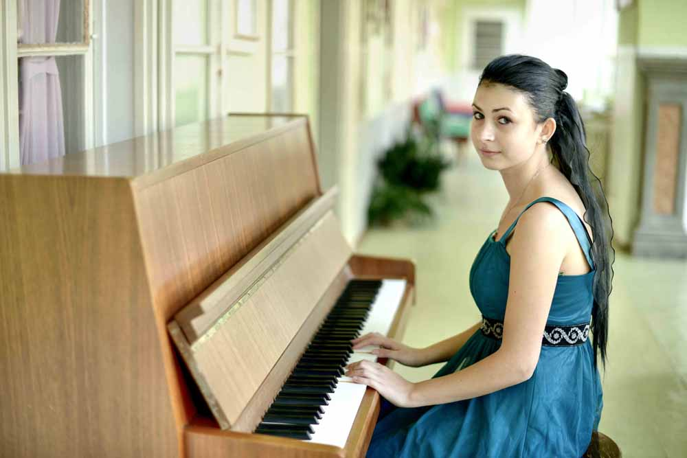 Tips on Teaching Yourself Digital Piano Easily