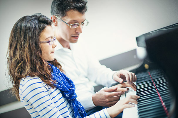 Teaching New Pieces to Piano Students