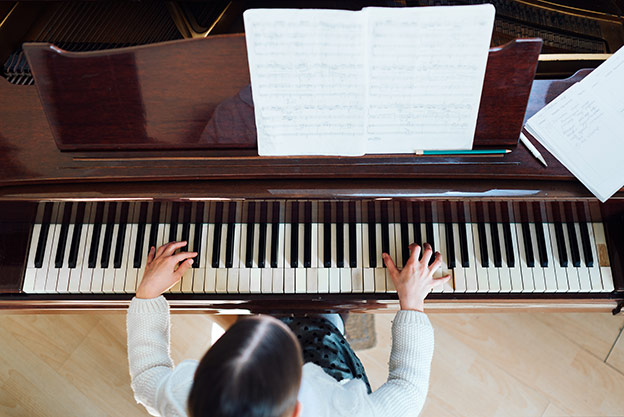 Exercises and stretches for Professional Pianists
