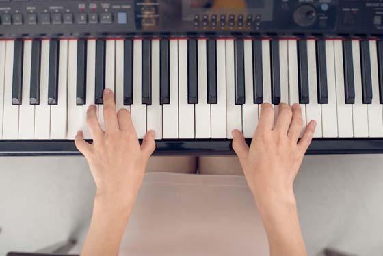 Improving fingering on piano