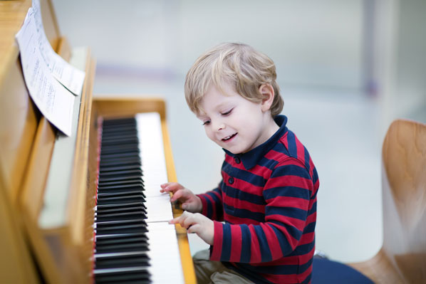 Beginning Piano Lessons for a Preschooler